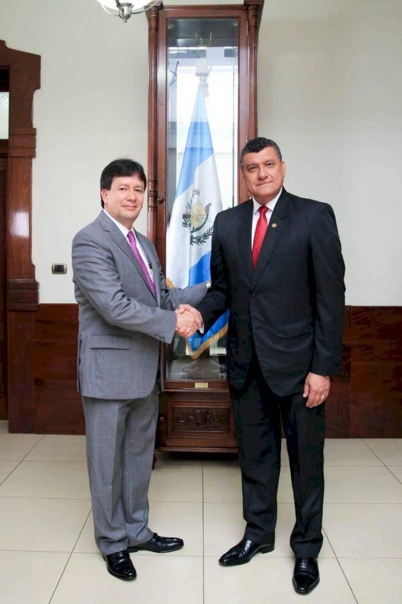 El vicepresidente Guillermo Castillo junto con Juan José Cabrera Alonzo, Secretario Particular. Cortesía