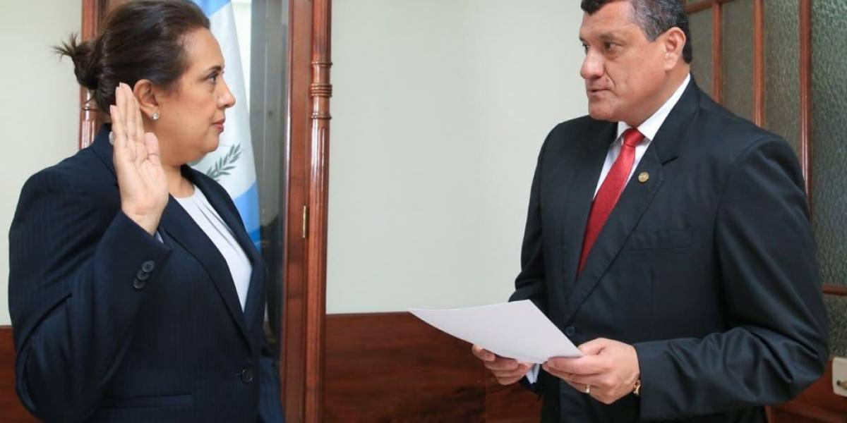Vicepresidente Guillermo Castillo nombra a sus secretarios