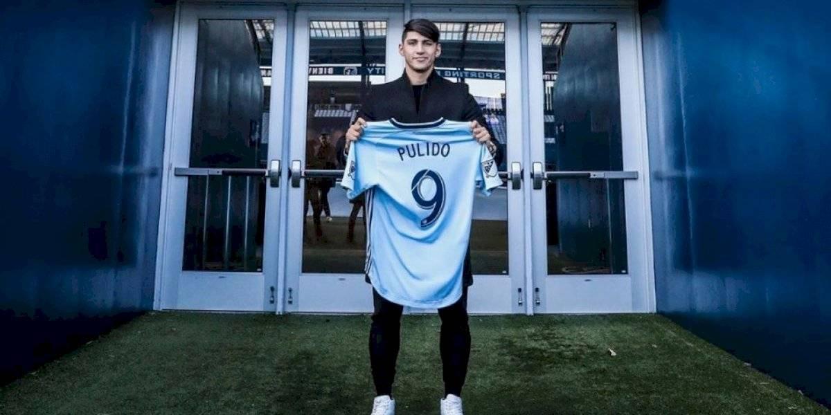 Alan Pulido quiere quitarle el título de goleo a Carlos Vela en la MLS