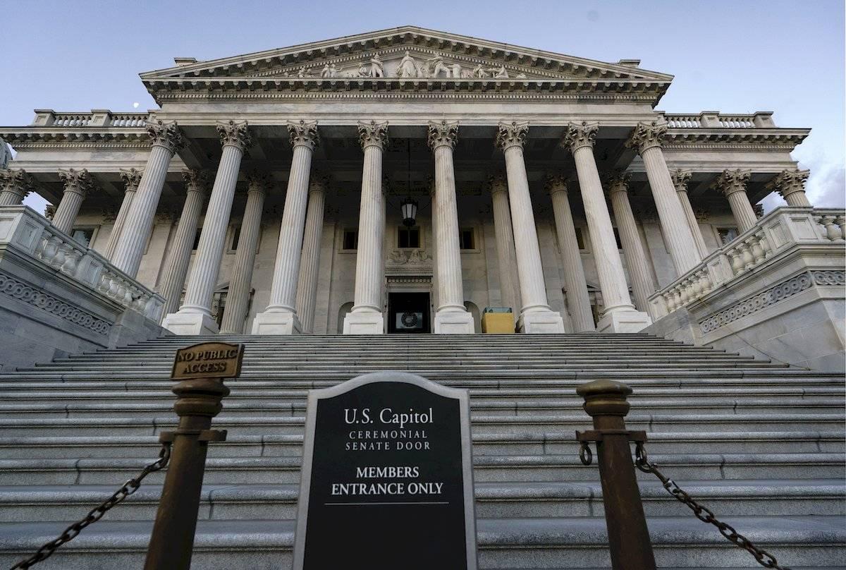Senado de EU inicia formalmente el juicio contra Donald Trump