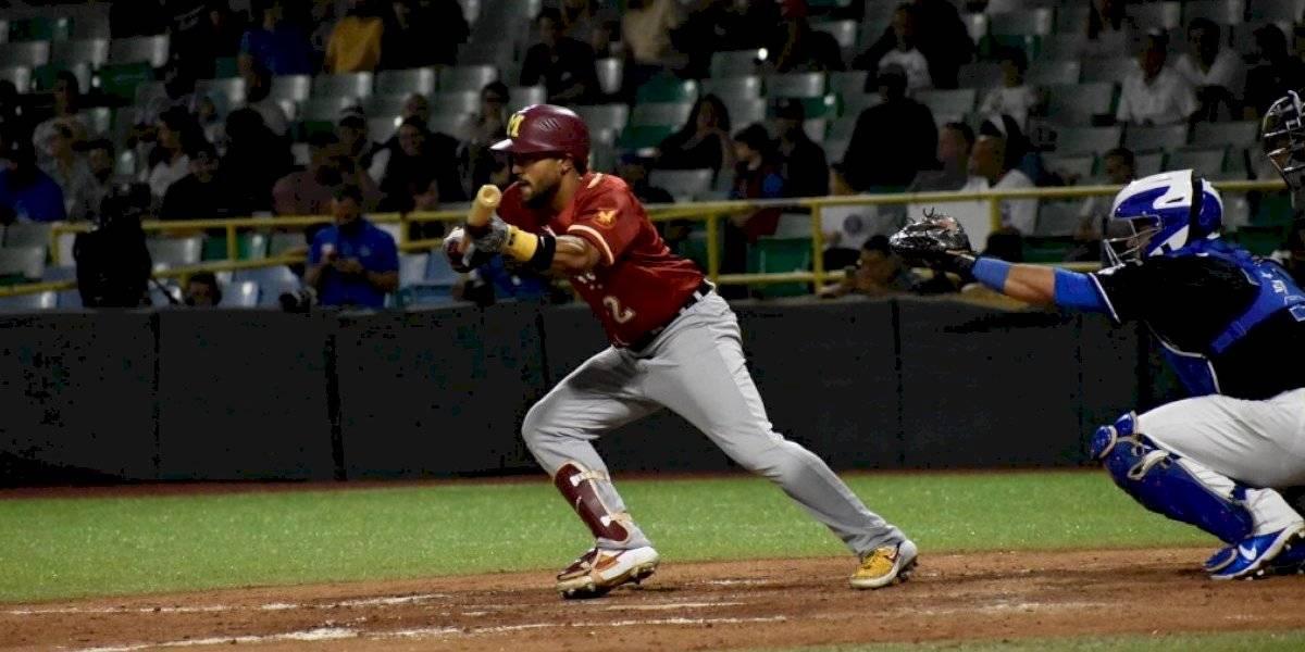 Santurce se lleva primer juego de la serie final del béisbol invernal