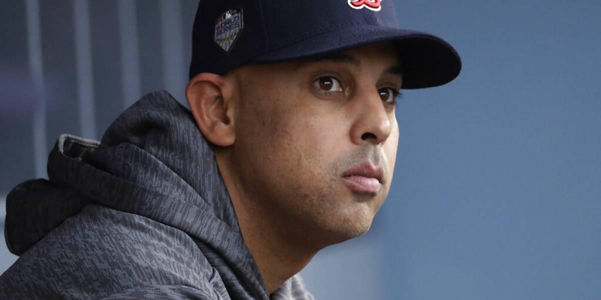 Alex Cora regresa a los Red Sox