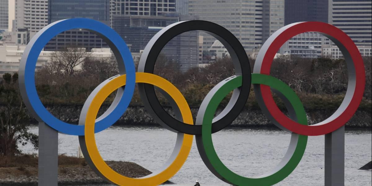 Llegan anillos olímpicos gigantes a Tokio