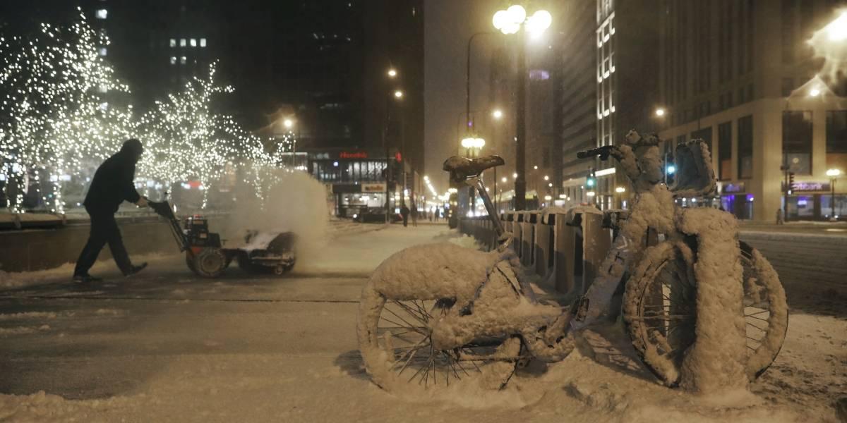 Tormenta invernal trae fuertes nevadas y hielo a EEUU