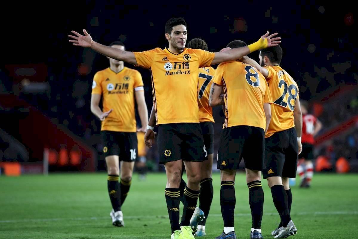 De la mano de Raúl Jiménez, el Wolverhampton consigue su primer ...