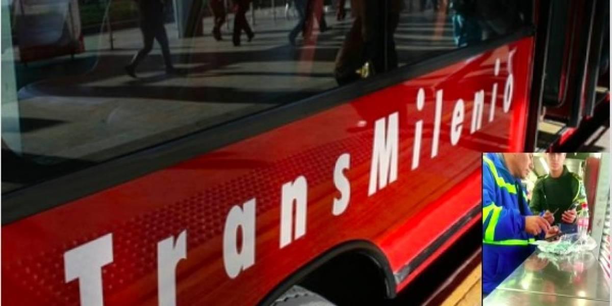 ¡Puso el ejemplo! Un ministro madrugó en el día sin carro para irse en Transmilenio