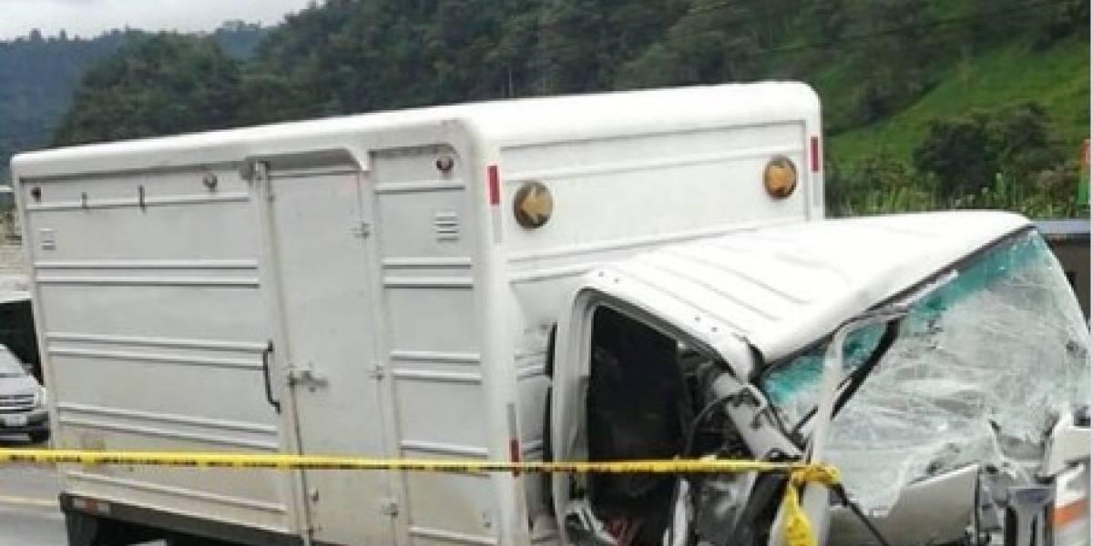 Un fallecido tras accidente de tránsito en la vía Aloag-Santo Domingo