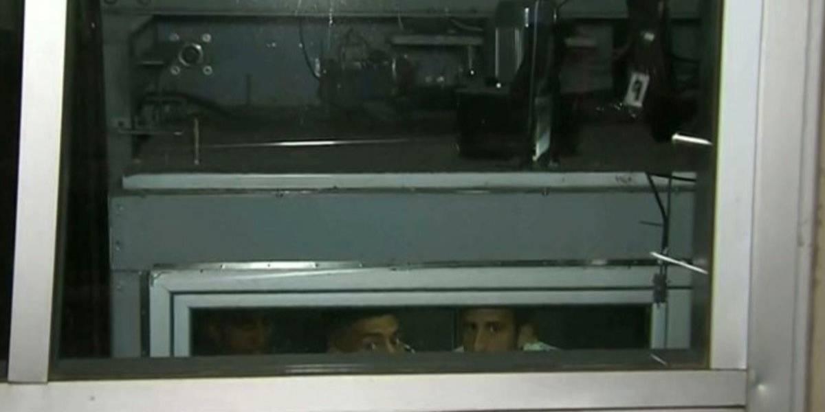 VIDEO: Jugadores de Boca Juniors se quedan atrapados en elevador