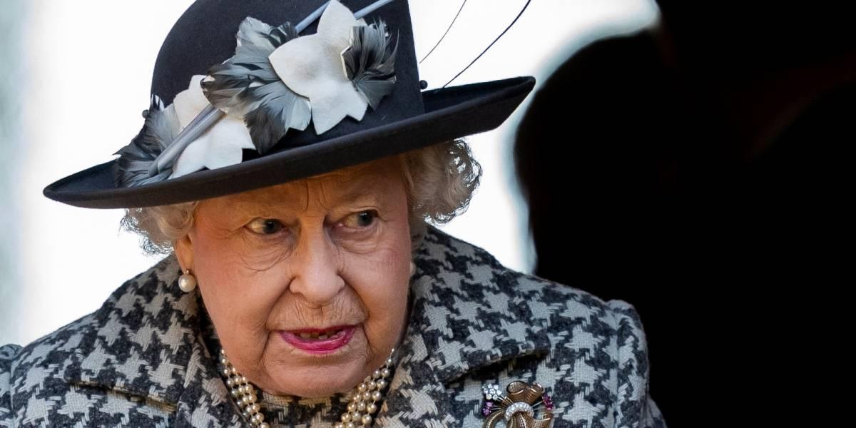 Un guardaespaldas de la reina Isabel II tiene coronavirus
