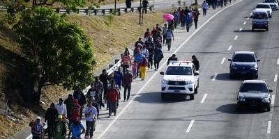 Caravana de migrantes salvadoreños