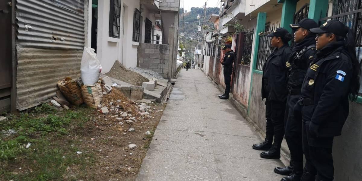 """Realizan 48 allanamientos en la capital, Chinautla y Mixco contra clica de pandilleros """"Crazy Rich"""""""