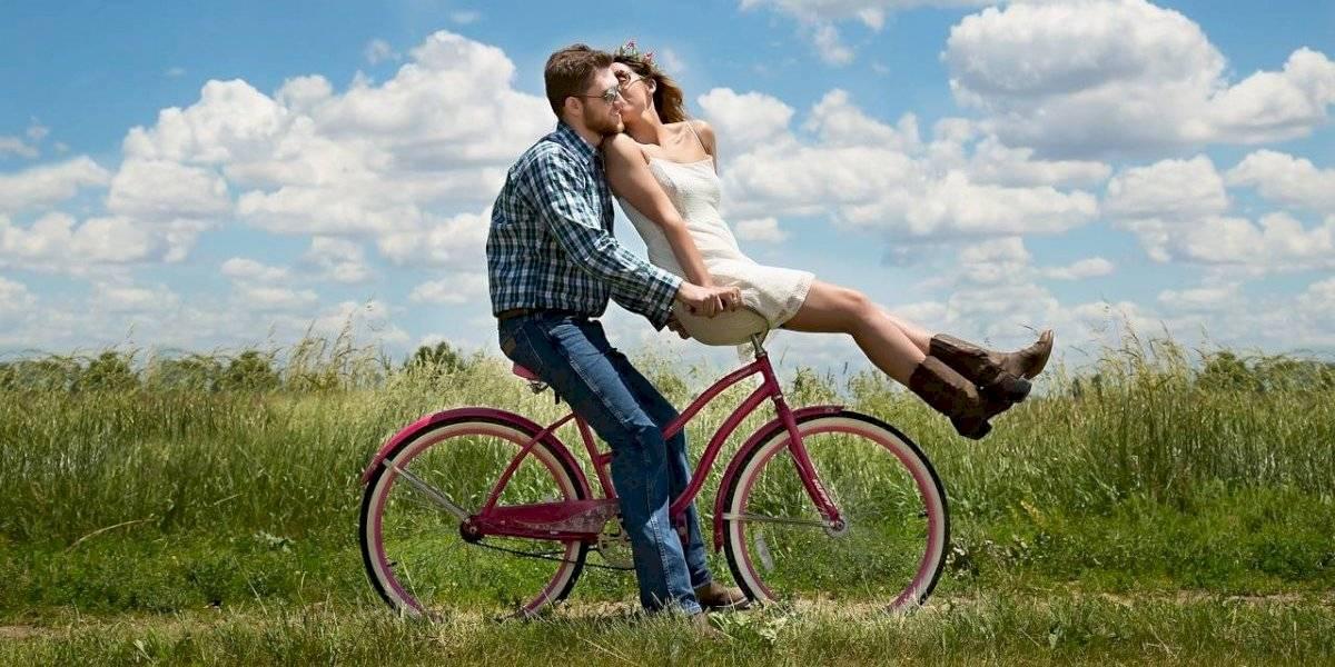 Correr e andar de bicicleta podem te fazer mais feliz do que o dinheiro, revela estudo