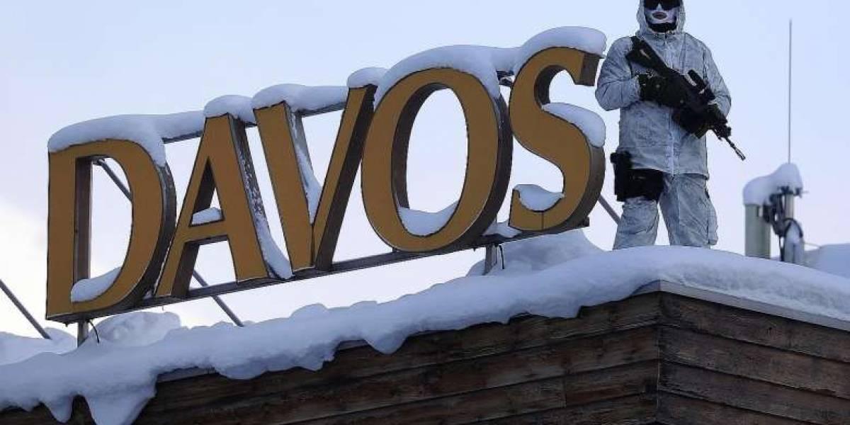 Ecuador acude al Foro de Davos para apuntalar confiabilidad tras ola de protestas