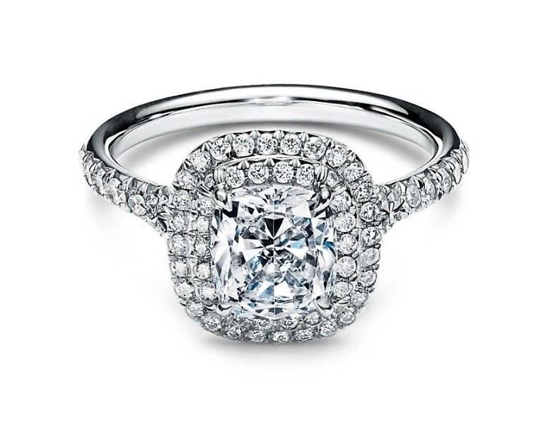 Se compromete con su novia Yaya Kosikova, anillo de compromiso — Montserrat Oliver