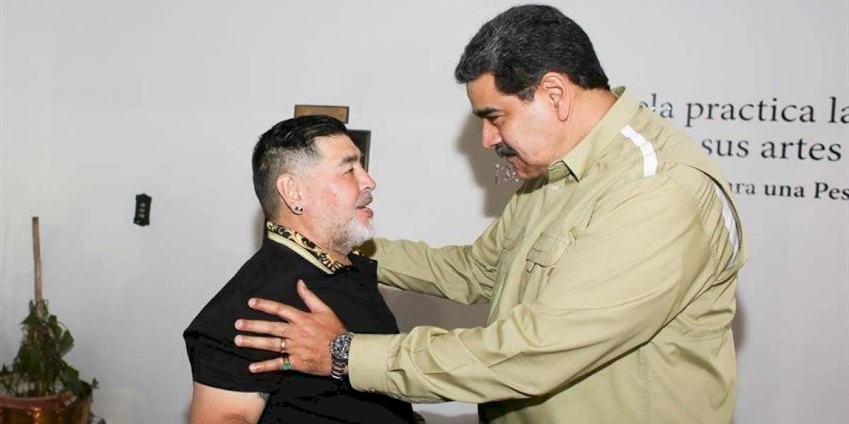 Diego Maradona llega a Venezuela para apoyar a Nicolás Maduro