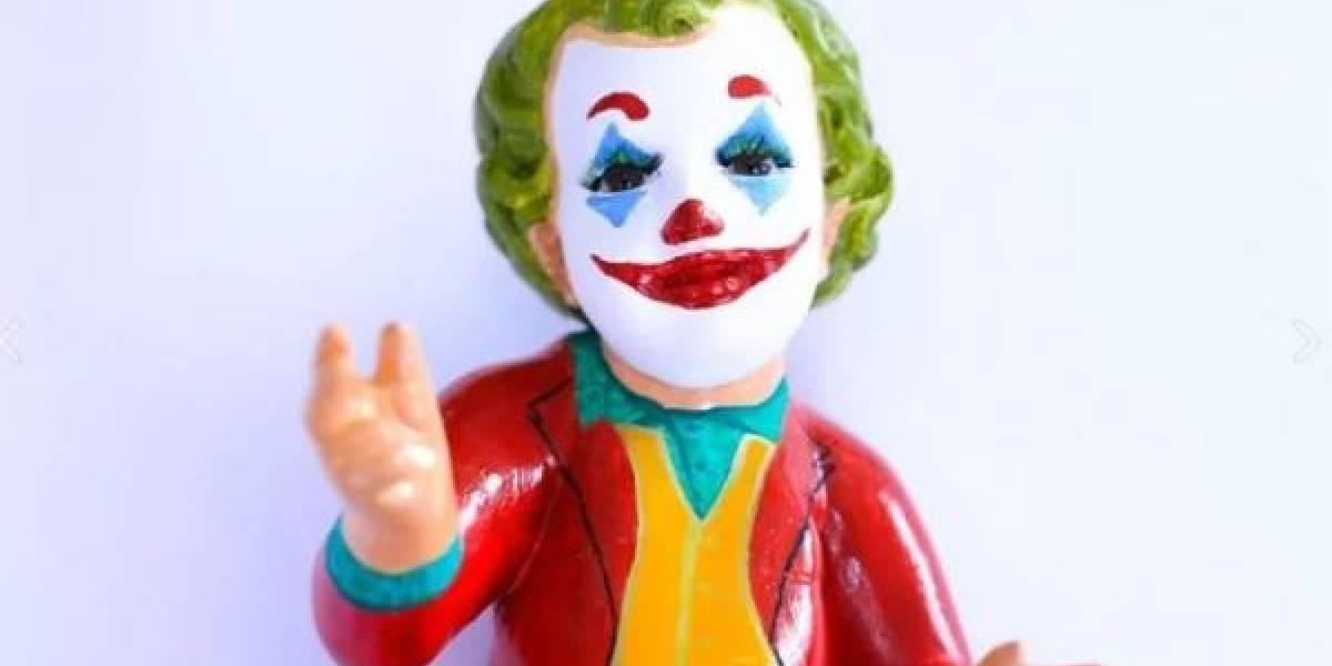 ¡Hasta vestido del Joker! Ponen en venta extraños niños Dios por Día de la Candelaria