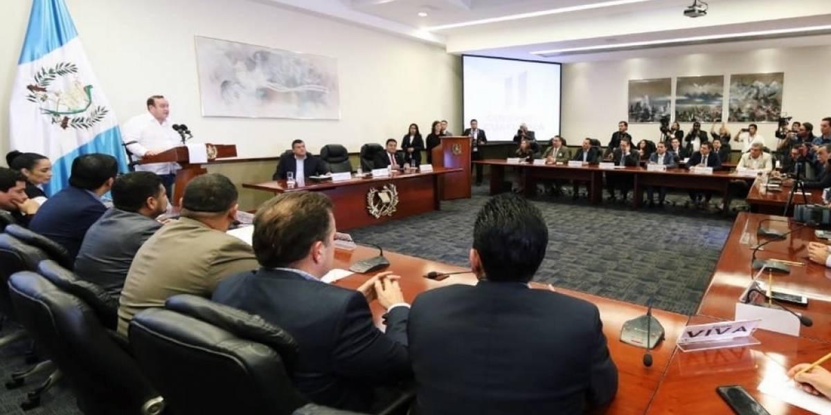 Congreso recibe proyecto de ley antimaras que impulsa Giammattei
