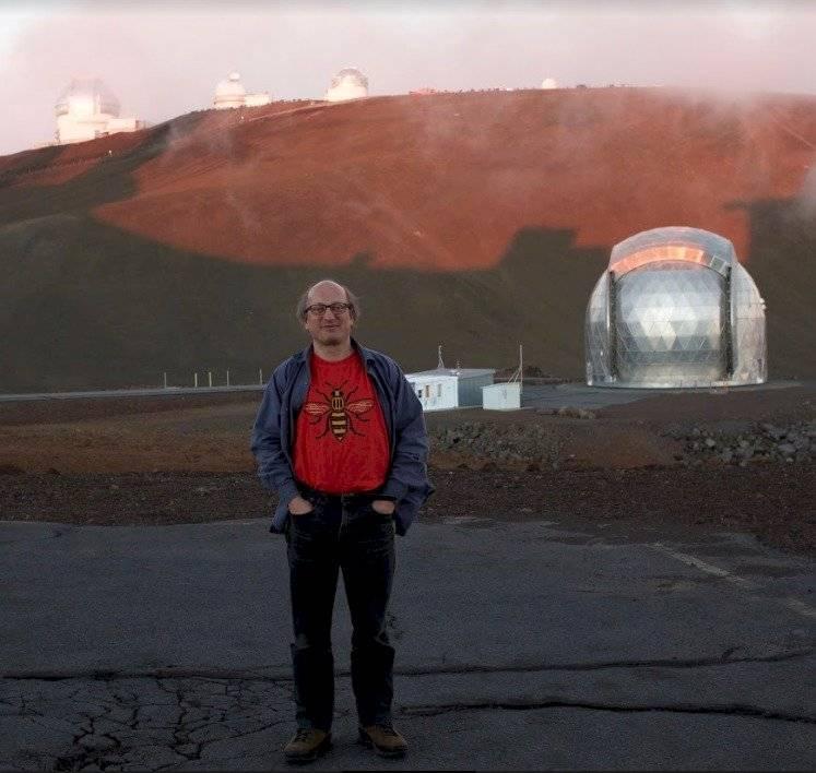 Dave Clements, lector de astrofísica en el Imperial College de Londres