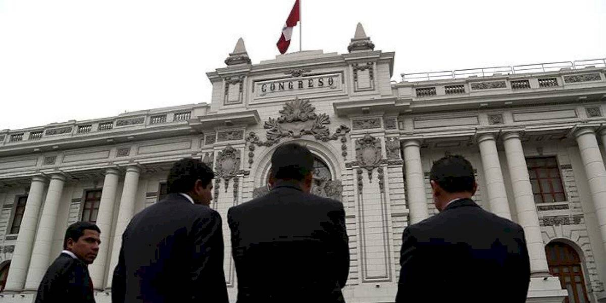 Congreso peruano ahora va por el retiro del 100% de los fondos de las AFP