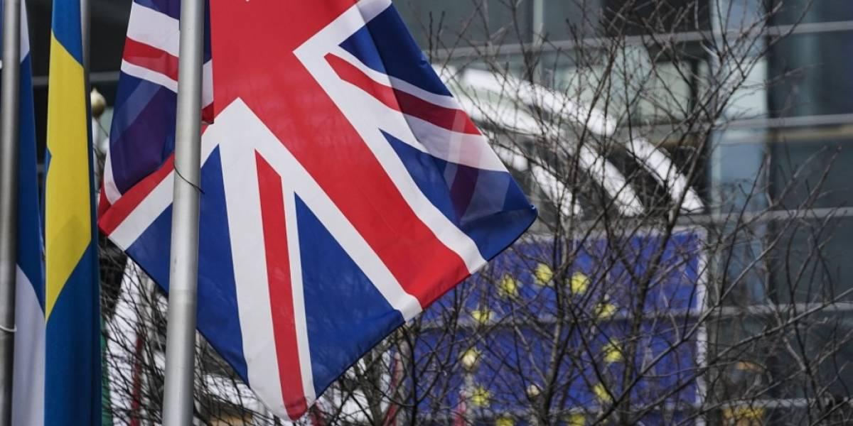 Reina Isabel II aprueba proyecto de ley sobre el Brexit