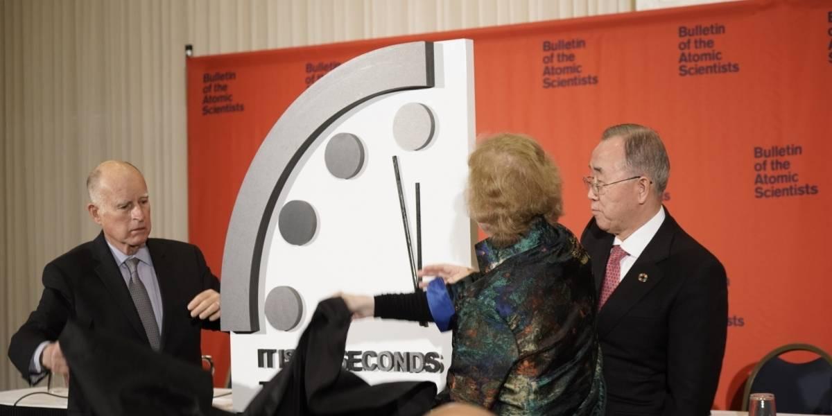 Qué es el 'Reloj del Apocalipsis' y por qué la humanidad está a 100 segundos de su fin