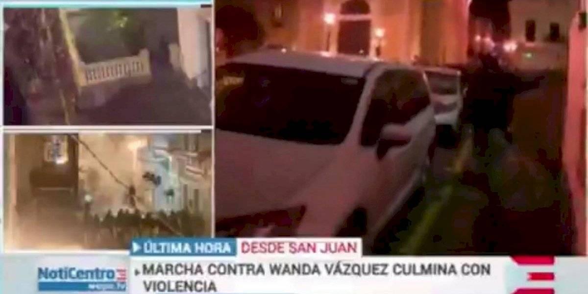 Vandalizan guagua de Wapa y lanzan objetos contra reportero en protesta