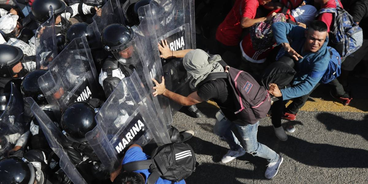 ONU pide a México evitar uso de la fuerza ante caravana migrante