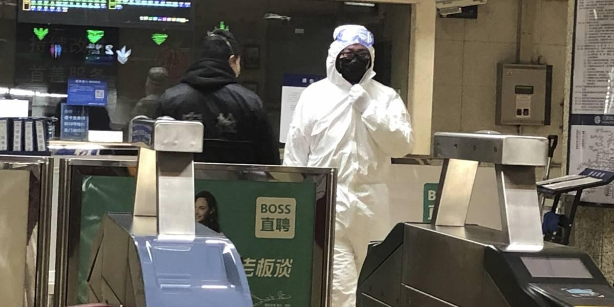 """China construirá hospital contra el coronavirus y captan """"avalancha de pacientes"""""""