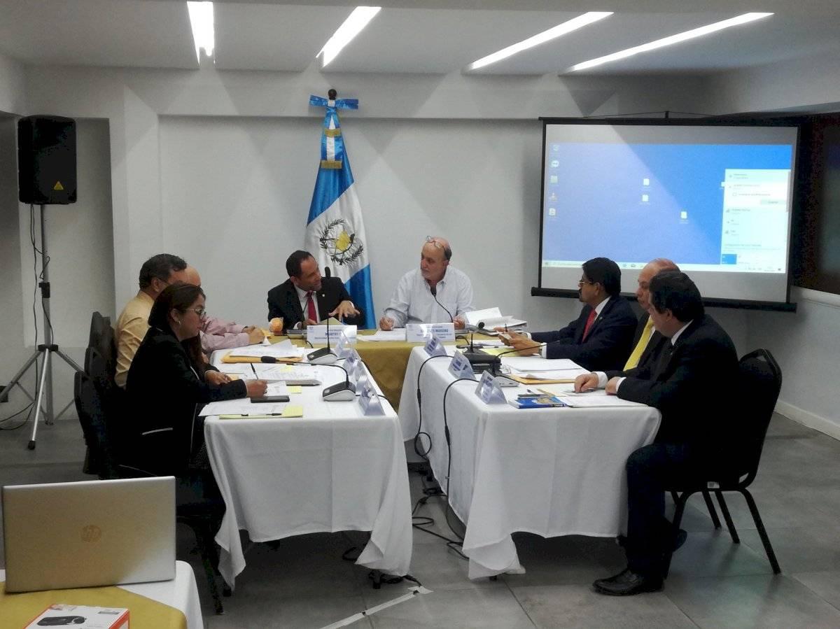 Comisión postuladora para candidatos al TSE.