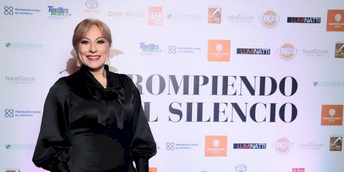 """Lolita Suárez participa en conferencia """"Rompiendo el silencio"""""""