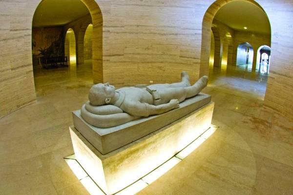 cripta do obelisco