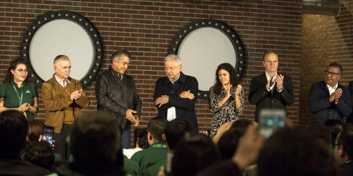 Jóvenes Construyendo rinde frutos, pese a resistencias: López Obrador