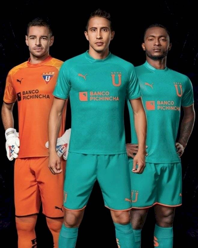 Uniforme alterno de Liga de Quito