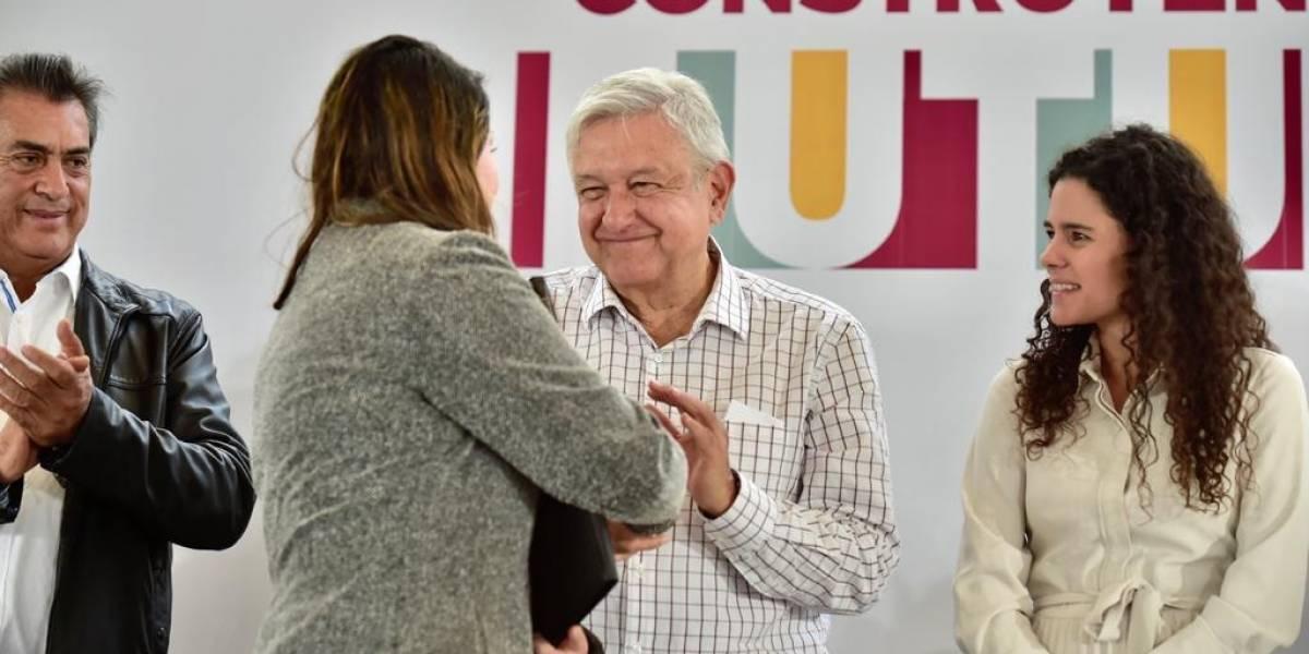 AMLO frenará alza al transporte de NL con subsidio