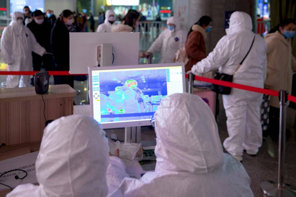 China trabaja en el desarrollo de una vacuna contra el coronavirus que ha dejado 80 muertos