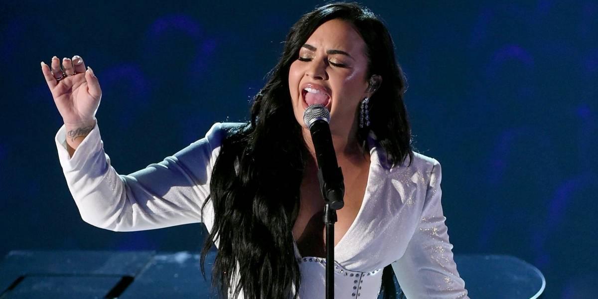 Um ano após overdose, Demi Lovato emociona no Grammy 2020