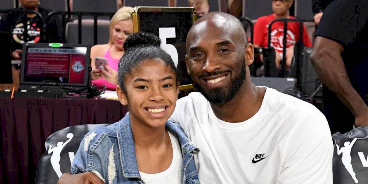 """""""La niña de papá"""": El emotivo mural en honor a Kobe Bryant y su hija en Los Angeles"""