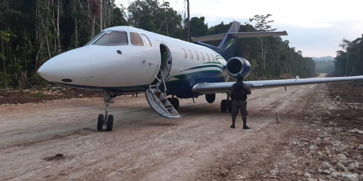 Localizan jet con posible cocaína en Petén