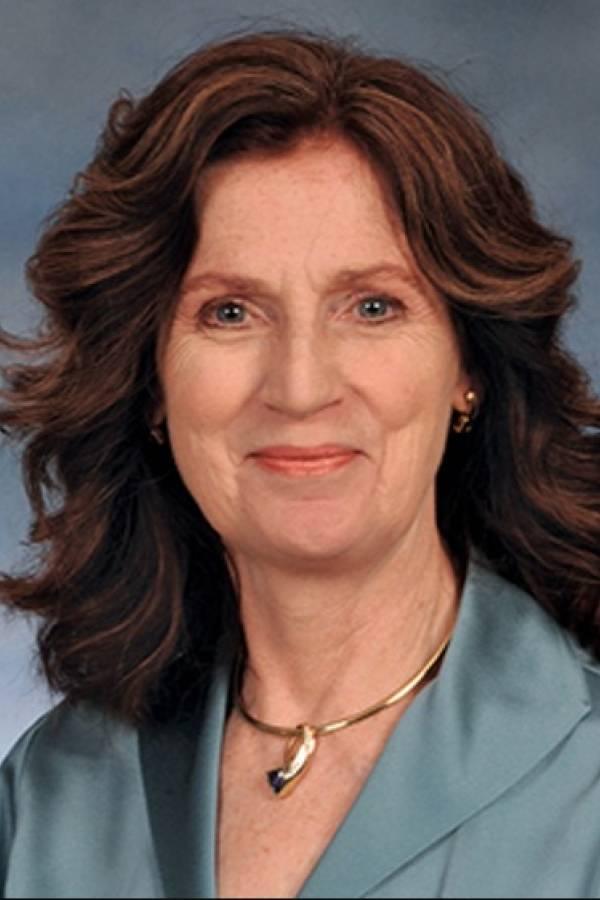 Dr. Katrina Cornish, Profesora de la Universidad Estatal de Ohio, que dirige un programa de producción alternativa de caucho y materiales bioemergentes.