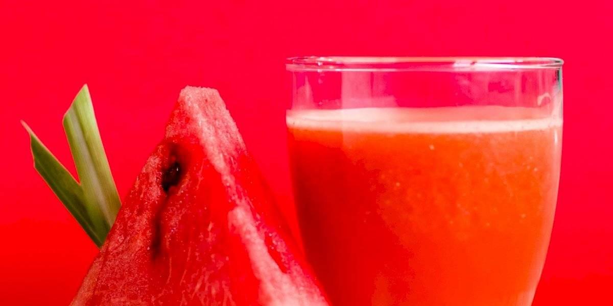 Suco de melancia com casca para emagrecer rapidamente