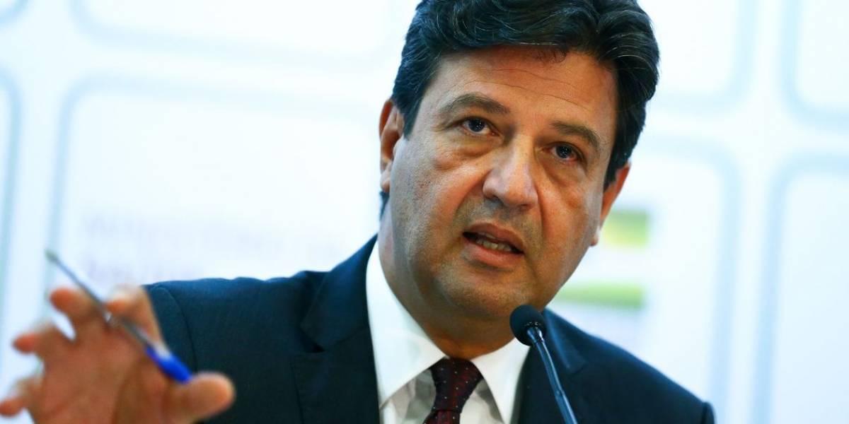 Brasileiro não sabe se escuta ministro ou presidente da República, diz Mandetta