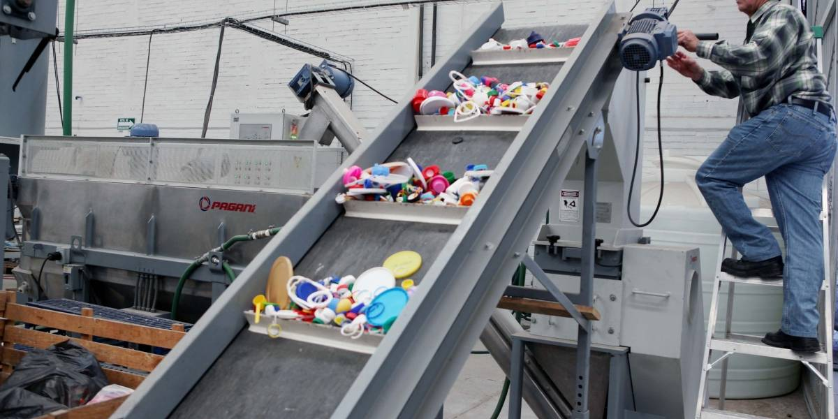 Restricción a plásticos molesta a empresarios de Jalisco