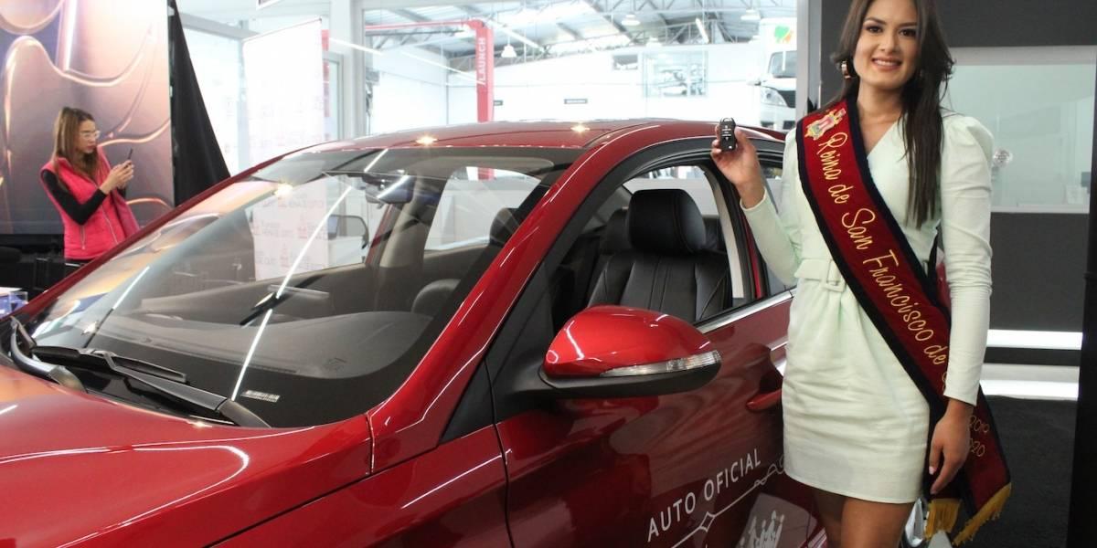 Estefanía Barreno ya cuenta con auto para trabajar por Quito