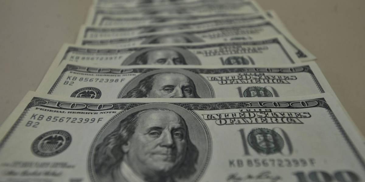 Dólar recua e fecha a R$ 5,57 nesta quinta-feira