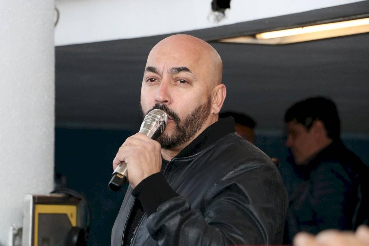 Lupillo Rivera sorprende al cantar en el metro de la CDMX   Publimetro México