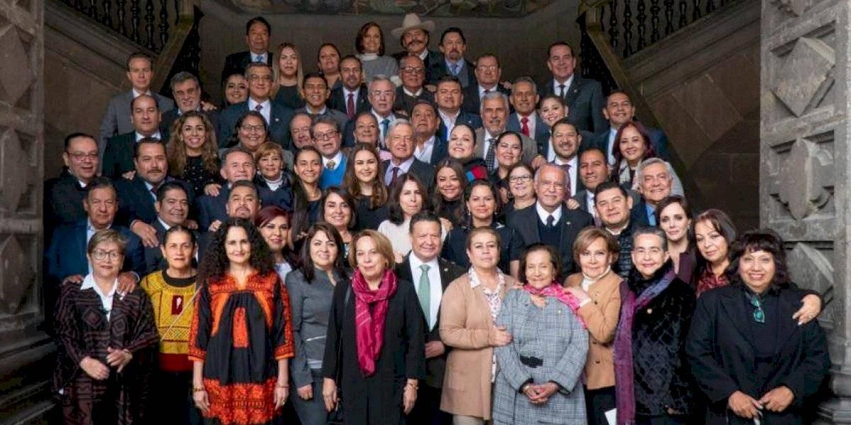 Se reúne AMLO con senadores de Morena, PT, Encuentro Social y PVEM