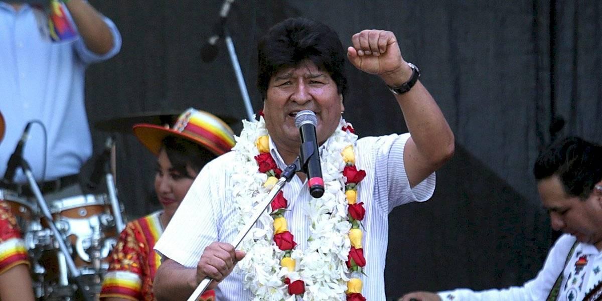 Liberan a exministro de Evo Morales tras robar 2 botellas de shampoo