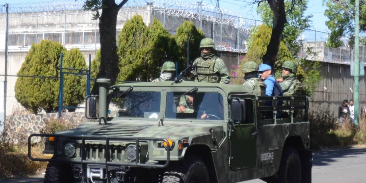 Exige López Obrador revisar amparos a reos tras fuga en Reclusorio Sur