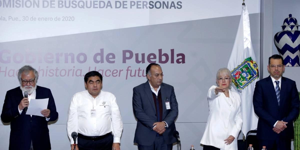 Desaparición forzada de personas en Puebla relacionada con grupos delictivos; Barbosa toma protesta a Carabarín como comisionada de Búsqueda