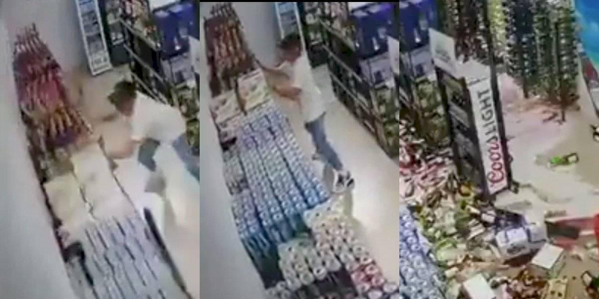 Terremoto en Jamaica: hombre intentó salvar estantería de cervezas durante el siniestro
